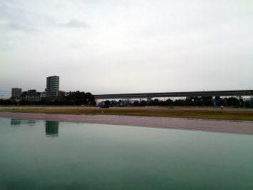2016/12/14の舎人公園陸上競技場は雨