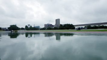 2017/07/26の舎人公園陸上競技場は生憎の雨