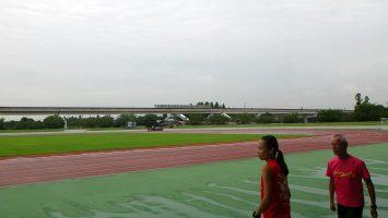 夏休みも終わり、2017/09/06の舎人公園陸上競技場には中高生の姿はない