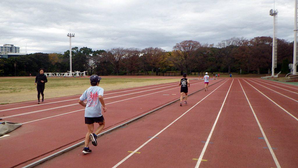 2018/12/05の颯走塾水曜マラソン練習会in織田フィールド2